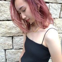 ミディアム ストリート 鎖骨ミディアム ラベンダーピンク ヘアスタイルや髪型の写真・画像