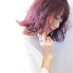 レッド ラベンダーピンク ラベンダー ベージュ ヘアスタイルや髪型の写真・画像
