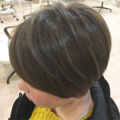ナチュラル ハイライト ショート 大人ハイライト ヘアスタイルや髪型の写真・画像
