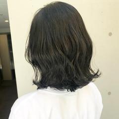 ナチュラル グレージュ ダークカラー 切りっぱなしボブ ヘアスタイルや髪型の写真・画像