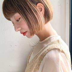 ミニボブ ミルクティーベージュ 透明感 ボブ ヘアスタイルや髪型の写真・画像