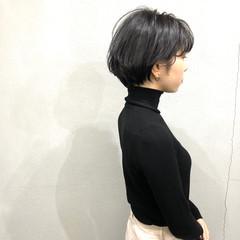 ナチュラル 簡単スタイリング ダークグレー ショートボブ ヘアスタイルや髪型の写真・画像