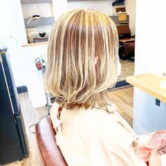 大人ハイライト ハイライト ストリート アッシュグレー ヘアスタイルや髪型の写真・画像