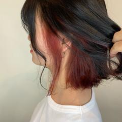 ボブ ガーリー インナーカラー チェリーレッド ヘアスタイルや髪型の写真・画像