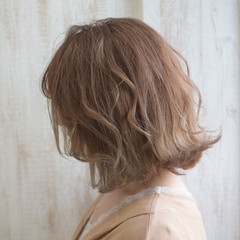 ボブ ミルクティーアッシュ ミルクティーグレージュ ナチュラル ヘアスタイルや髪型の写真・画像