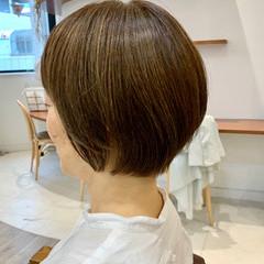 ショートヘア 大人ショート ナチュラル マッシュショート ヘアスタイルや髪型の写真・画像