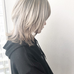 ハイトーンカラー ネオウルフ ウルフレイヤー ホワイトカラー ヘアスタイルや髪型の写真・画像