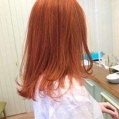 オレンジ ブリーチ ブリーチカラー ミディアム ヘアスタイルや髪型の写真・画像