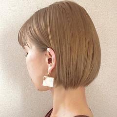 ハイトーン 切りっぱなしボブ ミニボブ ボブ ヘアスタイルや髪型の写真・画像