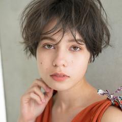 マッシュショート マッシュ アンニュイほつれヘア ショート ヘアスタイルや髪型の写真・画像