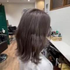 エレガント ブリーチカラー ブリーチ グレージュ ヘアスタイルや髪型の写真・画像