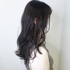 ロング ダークアッシュ ラベンダーグレージュ ラベンダーカラー ヘアスタイルや髪型の写真・画像