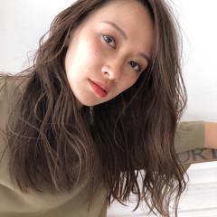 アンニュイ ナチュラル セミロング ハイライト ヘアスタイルや髪型の写真・画像