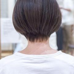 ショートヘア 小顔ショート ハンサムショート フェミニン ヘアスタイルや髪型の写真・画像