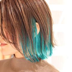 ターコイズブルー 切りっぱなしボブ ボブ アッシュグレー ヘアスタイルや髪型の写真・画像