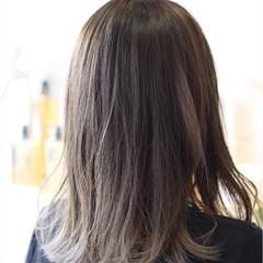 フェミニン ミディアム 透明感 暗髪 ヘアスタイルや髪型の写真・画像