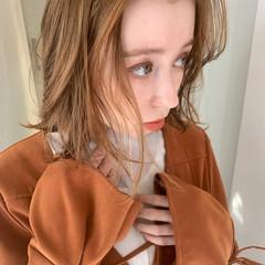 大人ミディアム ミディアム オレンジベージュ 切りっぱなしボブ ヘアスタイルや髪型の写真・画像
