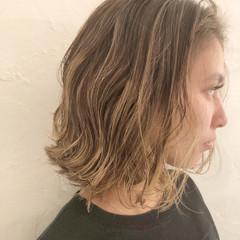 簡単ヘアアレンジ フェミニン アウトドア ミディアム ヘアスタイルや髪型の写真・画像