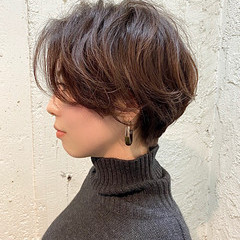 ナチュラル ショートヘア インナーカラー ミニボブ ヘアスタイルや髪型の写真・画像