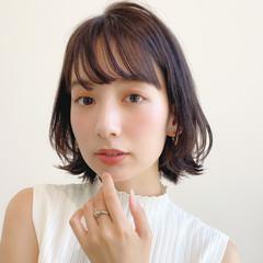 簡単スタイリング レイヤーカット 大人かわいい ナチュラル ヘアスタイルや髪型の写真・画像