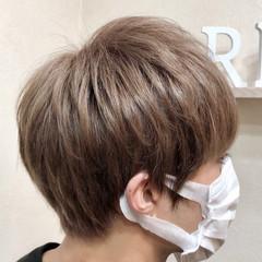 ショート アディクシーカラー 透明感 派手髪 ヘアスタイルや髪型の写真・画像