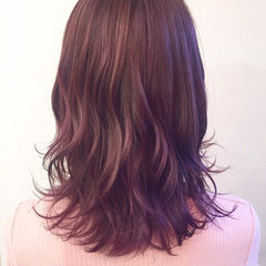 ピンクアッシュ ピンクパープル セミロング ベリーピンク ヘアスタイルや髪型の写真・画像