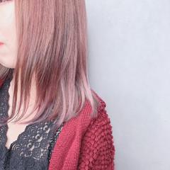 ミルクティーベージュ ミディアム ピンクベージュ ローズ ヘアスタイルや髪型の写真・画像