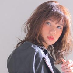 セミロング フェミニン ゆるふわ ウェーブ ヘアスタイルや髪型の写真・画像