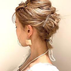 ミルクティーベージュ 簡単ヘアアレンジ ハイトーン ヘアアレンジ ヘアスタイルや髪型の写真・画像