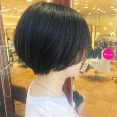 横顔美人 マッシュショート オフィス 黒髪 ヘアスタイルや髪型の写真・画像