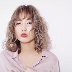 グレージュ 外国人風カラー ミディアム 透明感 ヘアスタイルや髪型の写真・画像