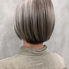 グレージュ ショート ストリート ブリーチ ヘアスタイルや髪型の写真・画像
