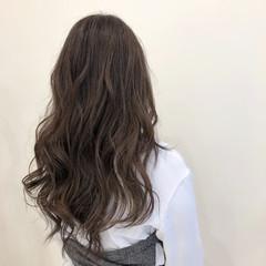 ミルクティーグレージュ ロング ミルクグレージュ アッシュグレージュ ヘアスタイルや髪型の写真・画像