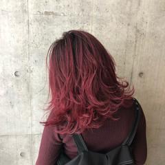 セミロング バレイヤージュ レイヤーカット ストリート ヘアスタイルや髪型の写真・画像