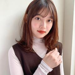 小顔ヘア 大人かわいい シースルーバング ナチュラル ヘアスタイルや髪型の写真・画像