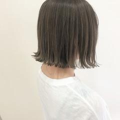 ボブ 切りっぱなしボブ ベージュ 透明感 ヘアスタイルや髪型の写真・画像