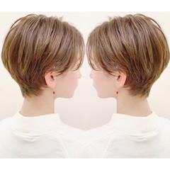 ナチュラル ショート パーマ アウトドア ヘアスタイルや髪型の写真・画像