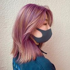 ガーリー インナーカラー ハイトーン ウルフカット ヘアスタイルや髪型の写真・画像