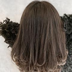 ミディアム ギャル 外国人風カラー バレイヤージュ ヘアスタイルや髪型の写真・画像