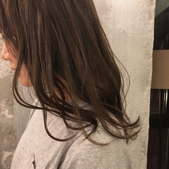 ウェーブ くすみカラー 外国人風カラー 暗髪 ヘアスタイルや髪型の写真・画像