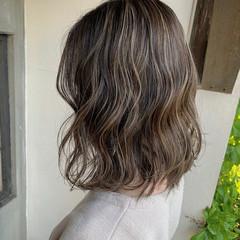 グラデーションカラー 切りっぱなし ナチュラル ハイライト ヘアスタイルや髪型の写真・画像