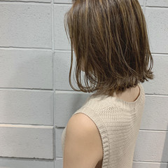 切りっぱなしボブ 3Dカラー ナチュラル ハイライト ヘアスタイルや髪型の写真・画像