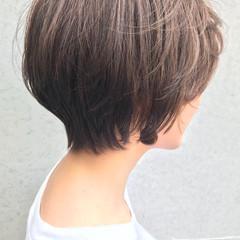 エレガント ショートボブ ショート アッシュグレー ヘアスタイルや髪型の写真・画像