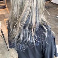 グレーアッシュ ホワイトアッシュ 派手髪 ストリート ヘアスタイルや髪型の写真・画像