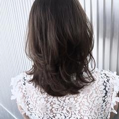 アッシュ グレージュ エフォートレス 透明感 ヘアスタイルや髪型の写真・画像
