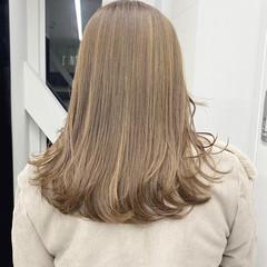 ミルクティーベージュ ナチュラル 外国人風カラー ナチュラルベージュ ヘアスタイルや髪型の写真・画像