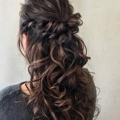 結婚式ヘアアレンジ エレガント ロング グレージュ ヘアスタイルや髪型の写真・画像