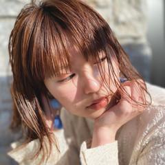 切りっぱなしボブ インナーカラー ミニボブ ナチュラル ヘアスタイルや髪型の写真・画像