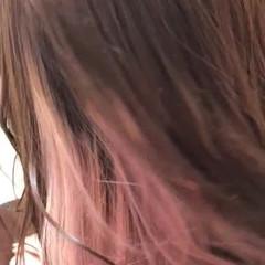 ナチュラル ミディアム インナーカラー 切りっぱなしボブ ヘアスタイルや髪型の写真・画像