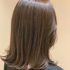透け感 外ハネ ヌーディベージュ ワンカールスタイリング ヘアスタイルや髪型の写真・画像